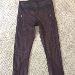 Lululemon Sz 4 inspire leggings black cherry